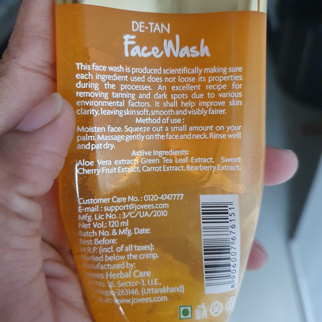 Face wash for skin tanning